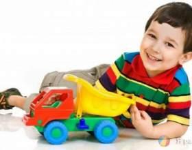 Як вибрати іграшку для дитини за віком? фото