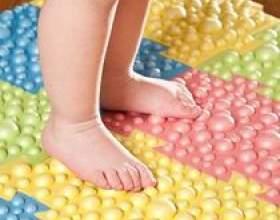 Ортопедичний килимок для дітей фото