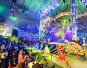 Відкрито новий сезон в цирку діда морозу фото
