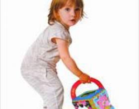 Скільки іграшок потрібно дитині? фото